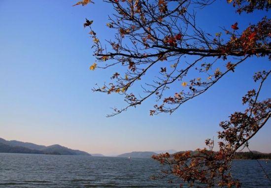 千岛湖最佳旅游时间:最佳旅游季节是4月-10月