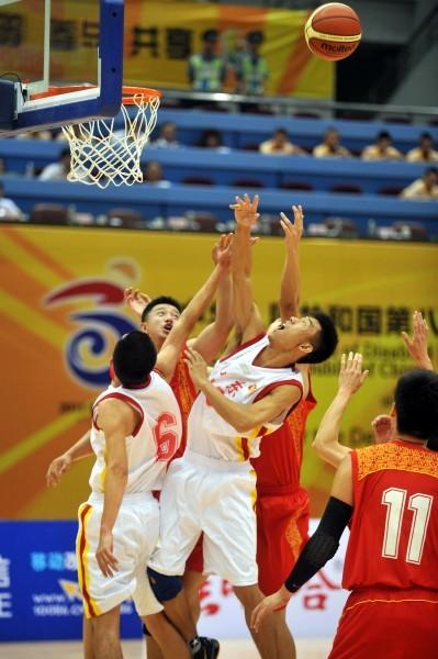 篮球场规则犯规手势图解