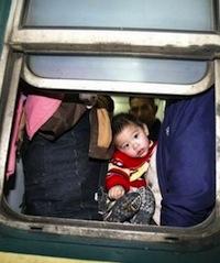 2005年,临客上在夹缝中的小朋友