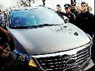 上海私家车硬闯白堤