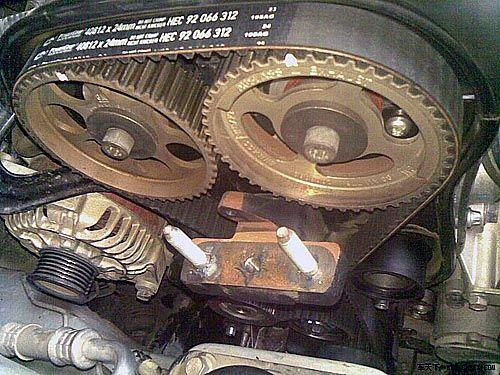 汽车正时皮带更换的必要性高清图片