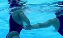 西班牙女选手水底遭袭胸露点被直播