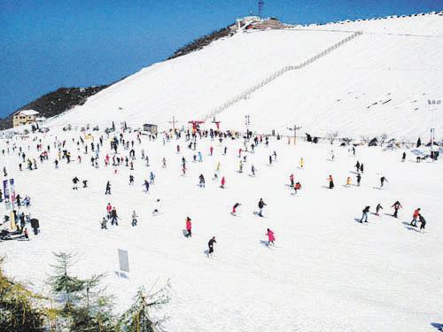 江南天池滑雪场(点击更多高清美图)