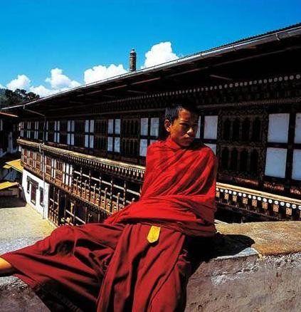 不丹国民信奉佛教(点击更多高清美图)