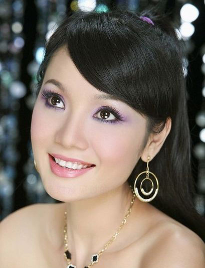 漂亮的越南美女(点击更多高清美图)