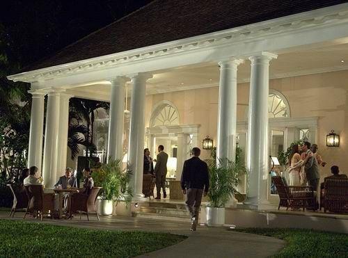 组图:探秘007住过的酒店重现电影中奢靡生活