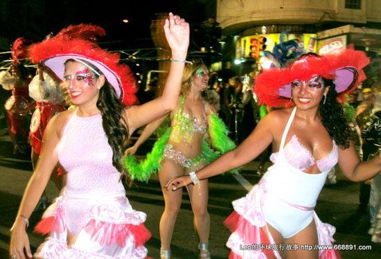 乌拉圭狂欢节游行(点击更多高清美图)