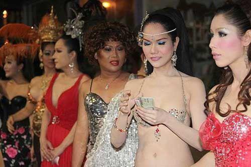 组图:泰国男人沦为人妖并非生活所迫