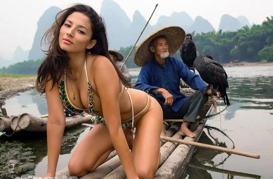 美国女模桂林拍暴露写真