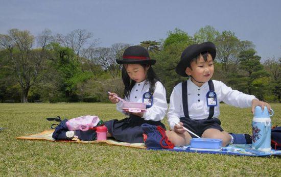 香港小学生校服 小学生校服 小学生校服图片大全