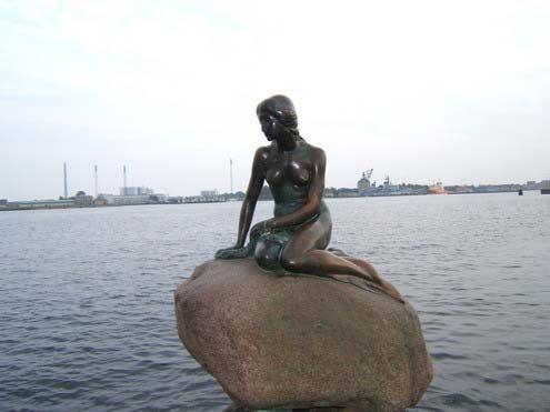 丹麦美人鱼雕像(点击更多高清美图)