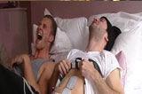 男子体验分娩镇痛