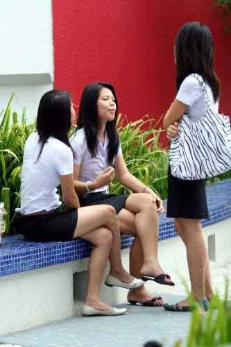泰国学生表示欢迎(点击更多高清美图)