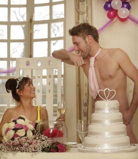 裸体婚礼(点击更多高清美图)