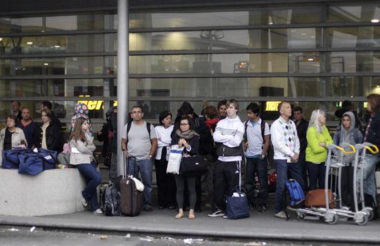 戴高乐机场专线是偷盗高发地(点击更多高清美图)