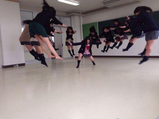 组图:日本兴起新潮流高中女生气功波照片爆红