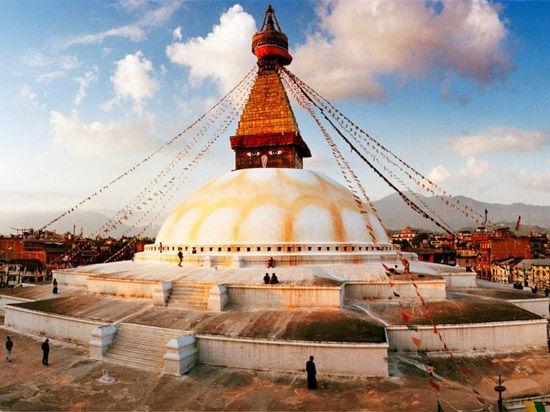 尼泊尔:佛塔的震慑