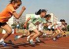 杭州小学生运动会入场式1小时内20人晕倒