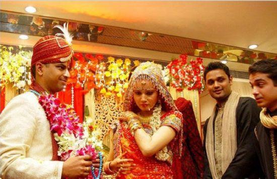 黄金价格暴跌乐坏印度新娘