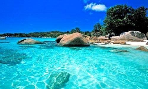 蔚蓝是海水