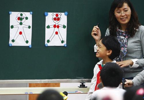 案例二:宿州教师多次性侵校内幼女