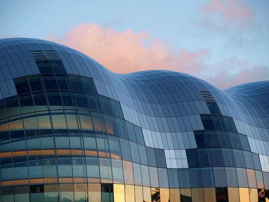 组图:全球13座不可思议的玻璃建筑