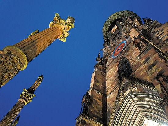 """弗赖堡大教堂,教堂顶被大文豪雨果喻为""""欧洲最美的教堂顶""""(点击更多高清美图)"""