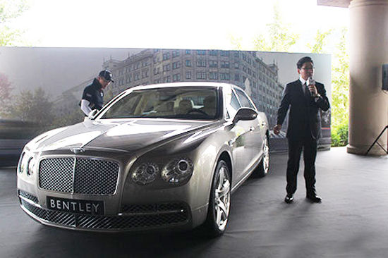 > 正文    宾利汽车的设计团队重新设计并打造了新飞驰车型.