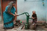 印度14岁男童患早衰症躯体已百岁