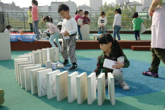 杭州市普教室一行到采二幼对大班自主性游戏进
