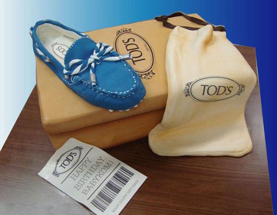 美国女子打造逼真鞋子蛋糕(组图)