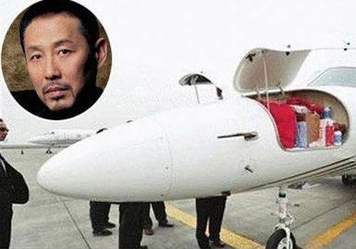 成龙价值2亿私人飞机 窥探明星私人飞机(5)