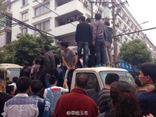 苍南被围殴5人实为城管叫来协助搬运工人