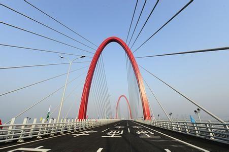 之江大桥免费通行后,从西南方向进出杭城又多了一条免费快速路。