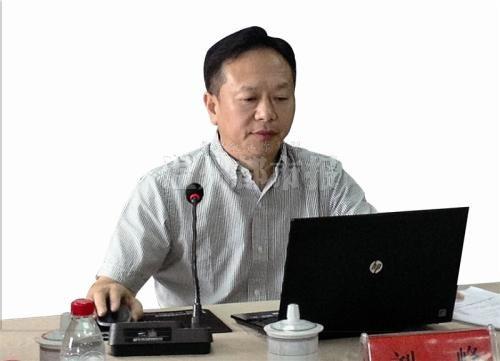 刘峰与网友对话。