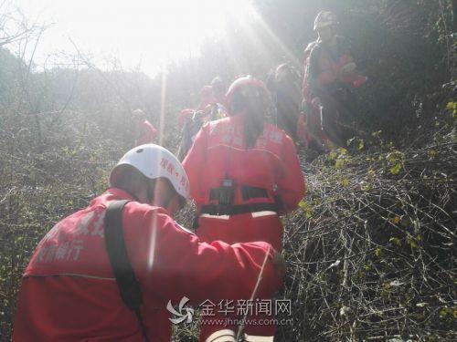 水陆空寻找失踪儿童的搜救行动