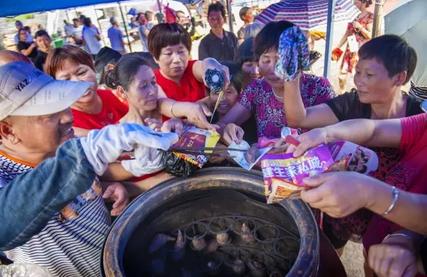 千名游客同喝香薯粥