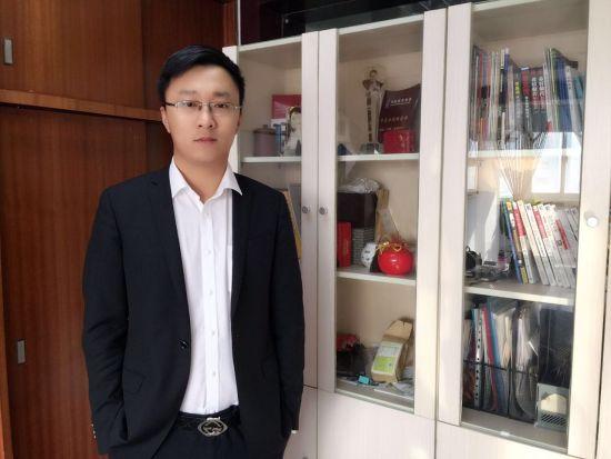 杭州朗阁培训中心校长安佳伟
