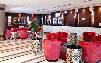 华美达切尔西酒店,巴沙尔