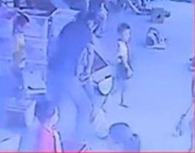 视频:4岁女童被教师摔瘫 后续治疗约需50万